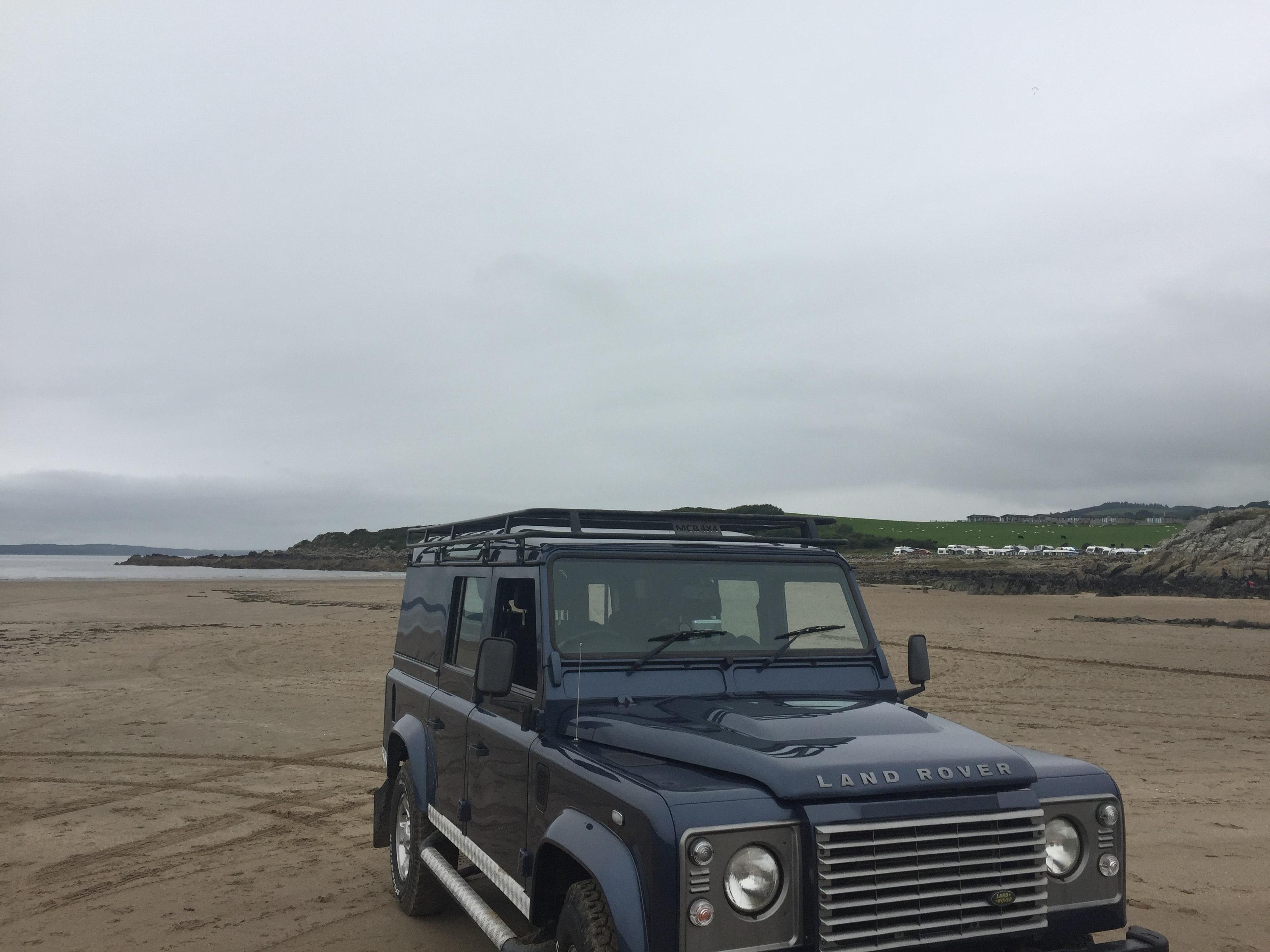 Free stock photo of 4x4, blue sky, jeep