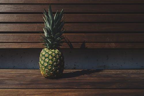 Безкоштовне стокове фото на тему «ананас, Деревина, дерев'яний, лавка»