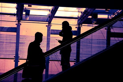 Imagine de stoc gratuită din aeroport, alb-negru, expoziție, fundal negru