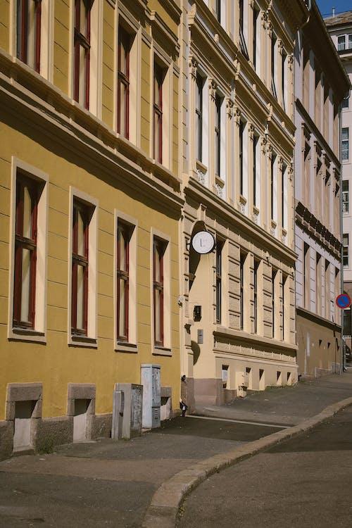 거리, 건물, 건물 외관, 건물 외장의 무료 스톡 사진