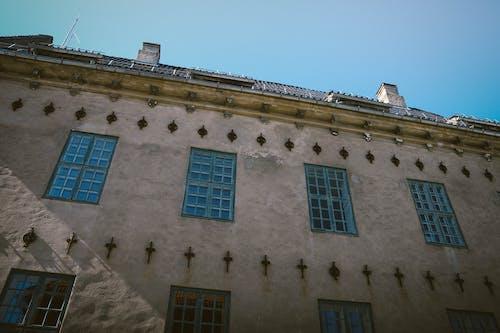건축, 노르웨이, 맑은 하늘, 벽의 무료 스톡 사진