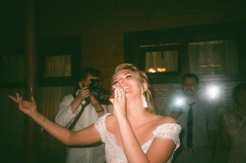 가수, 공연, 노래하는, 방의 무료 스톡 사진