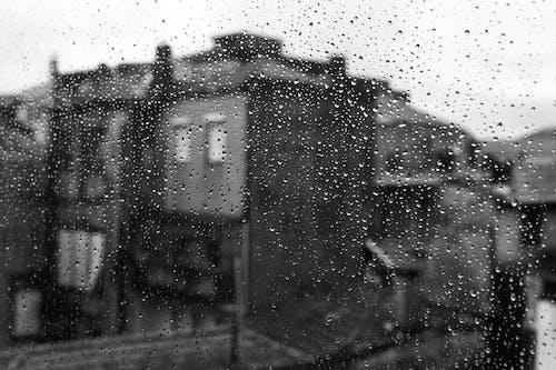 Základová fotografie zdarma na téma budova, černobílá, déšť