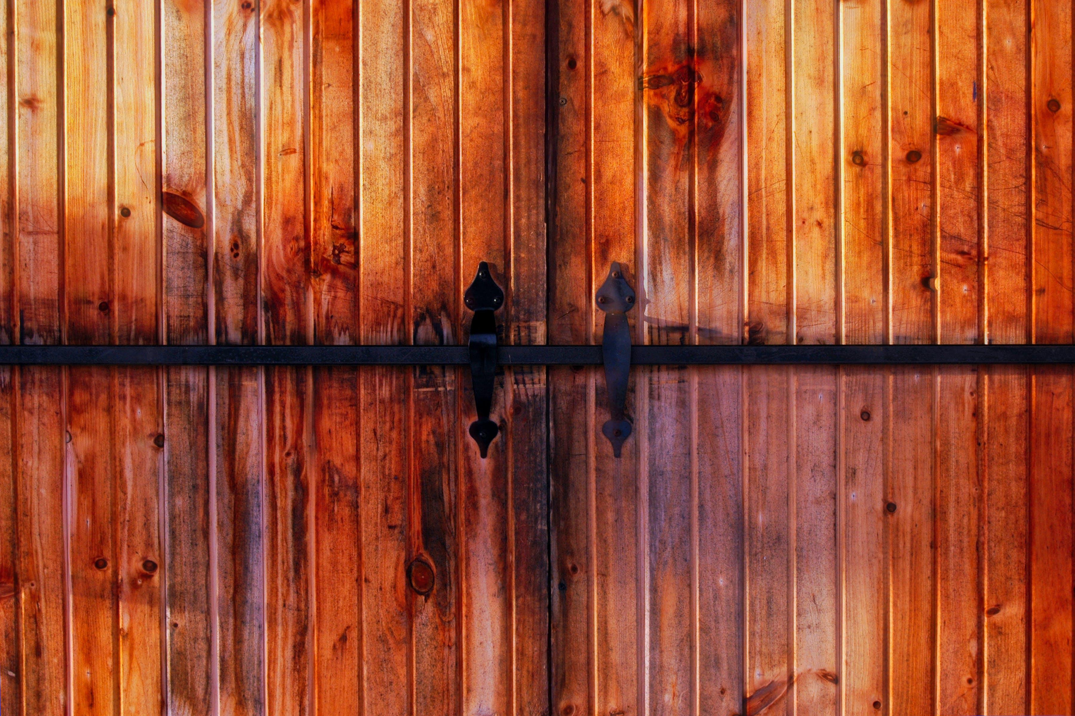 Free stock photo of barn, boards, doors, handle