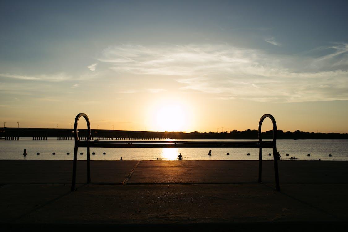 δύση του ηλίου, ηλιοβασίλεμα, παγκάκι