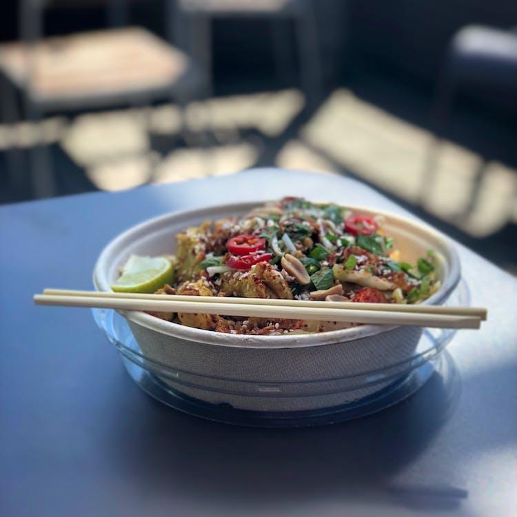asiatisk mat, bord, chili