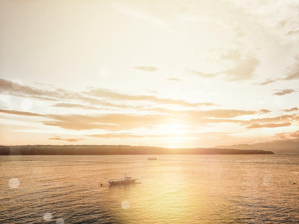 лодка, луч солнца, море