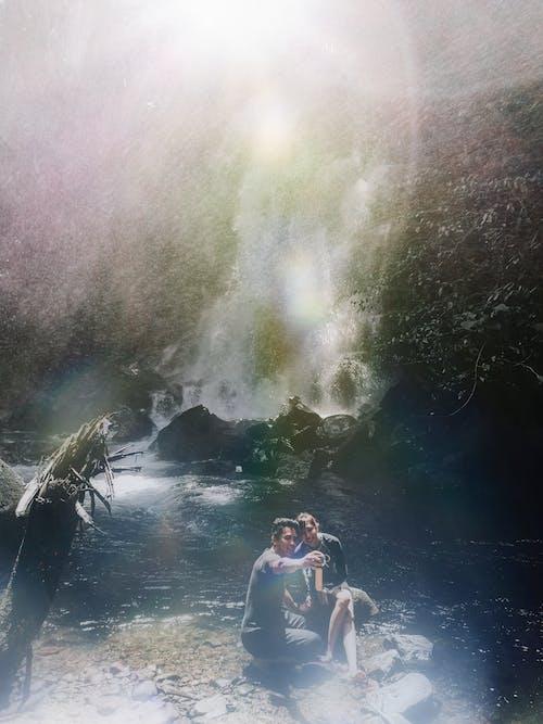 Gratis lagerfoto af asiatisk par, elskere, flodbred, Kærlighed