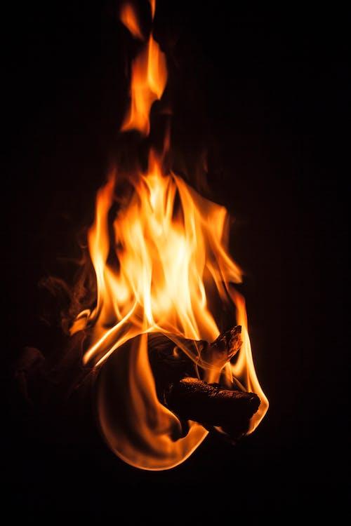 Бесплатное стоковое фото с гореть, ночь, огонь