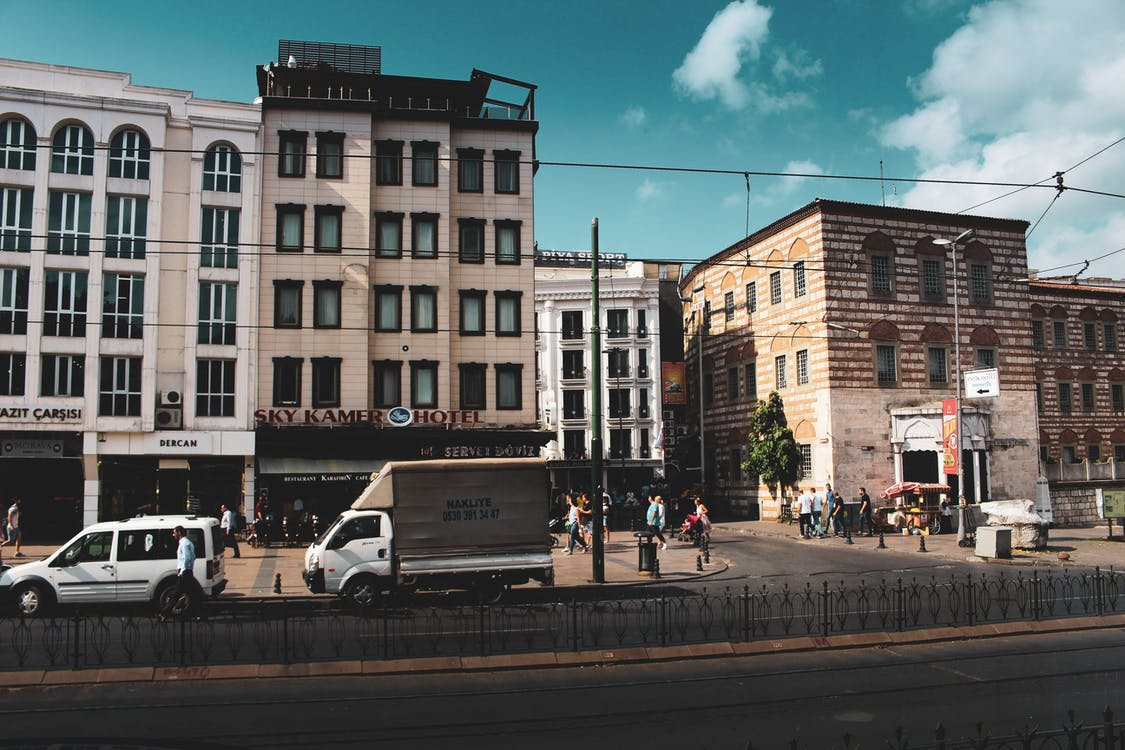 arkkitehtuuri, autot, katu
