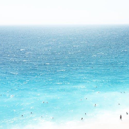 人, 土耳其藍, 夏天, 招手 的 免费素材照片
