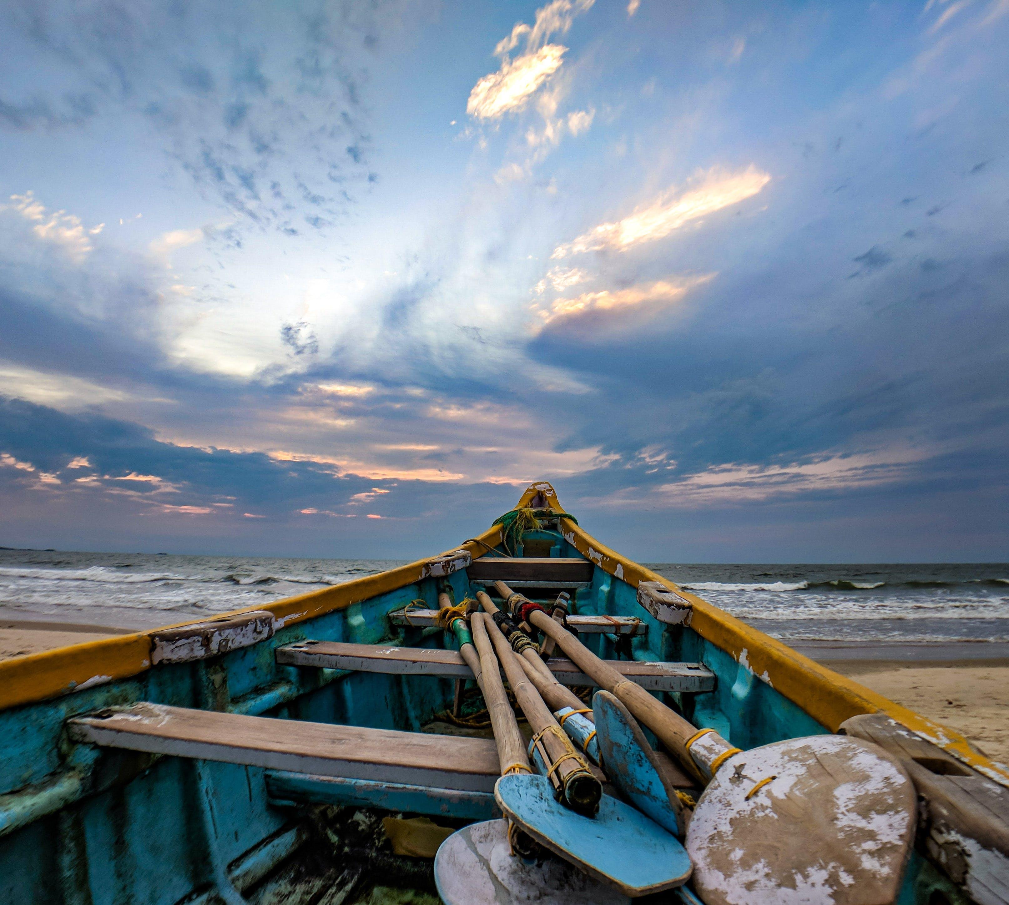 Fotos de stock gratuitas de agua, arena, barca, dice adiós