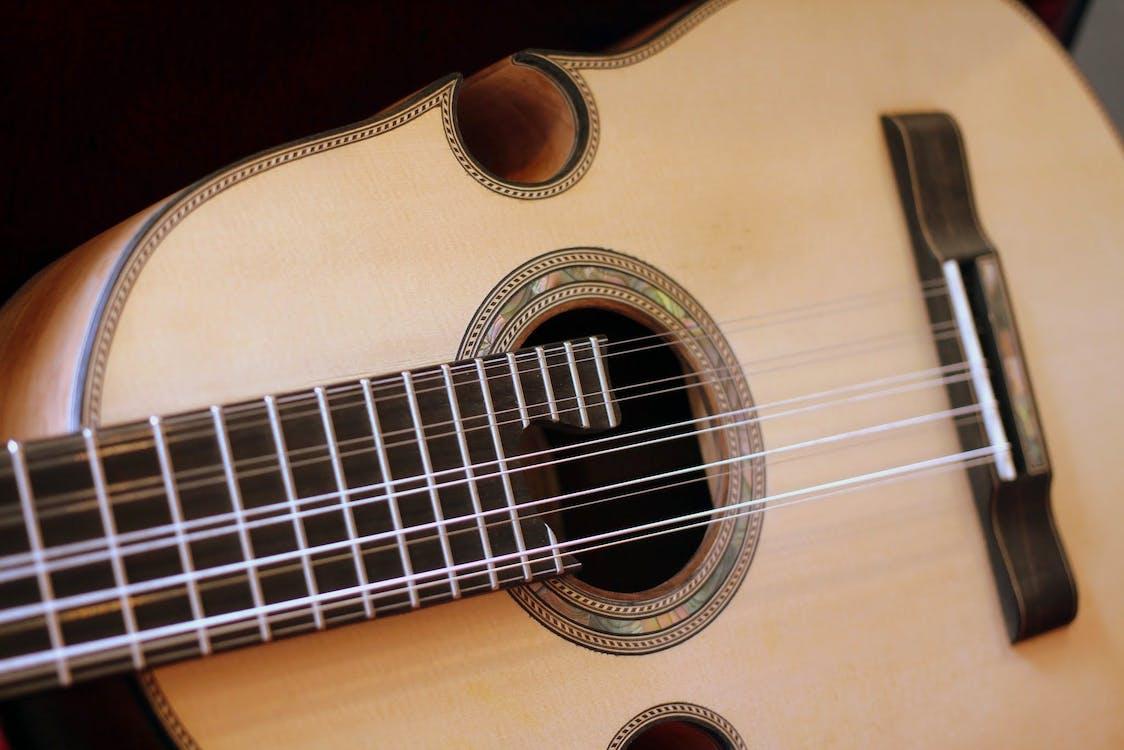 Kostnadsfri bild av gitarr, klassisk musik, musikinstrument