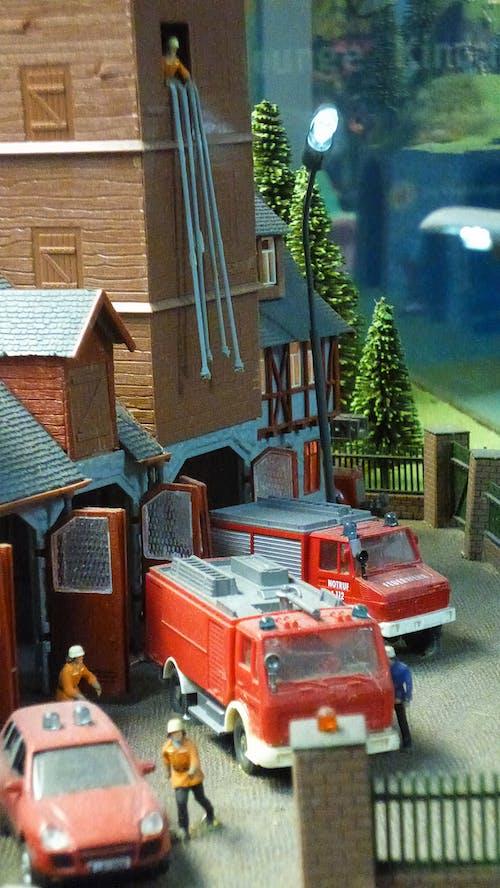 Ilmainen kuvapankkikuva tunnisteilla malliautot, Paloauto, palokunta, palomiehet