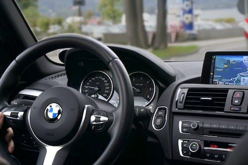 Photos gratuites de BMW, carte, compteur, compteur de vitesse