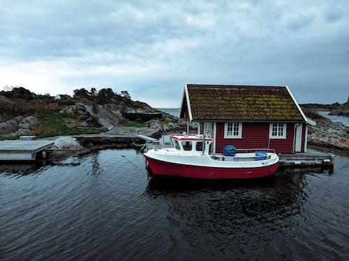 Gratis lagerfoto af båd, dagtimer, havnefront, himmel