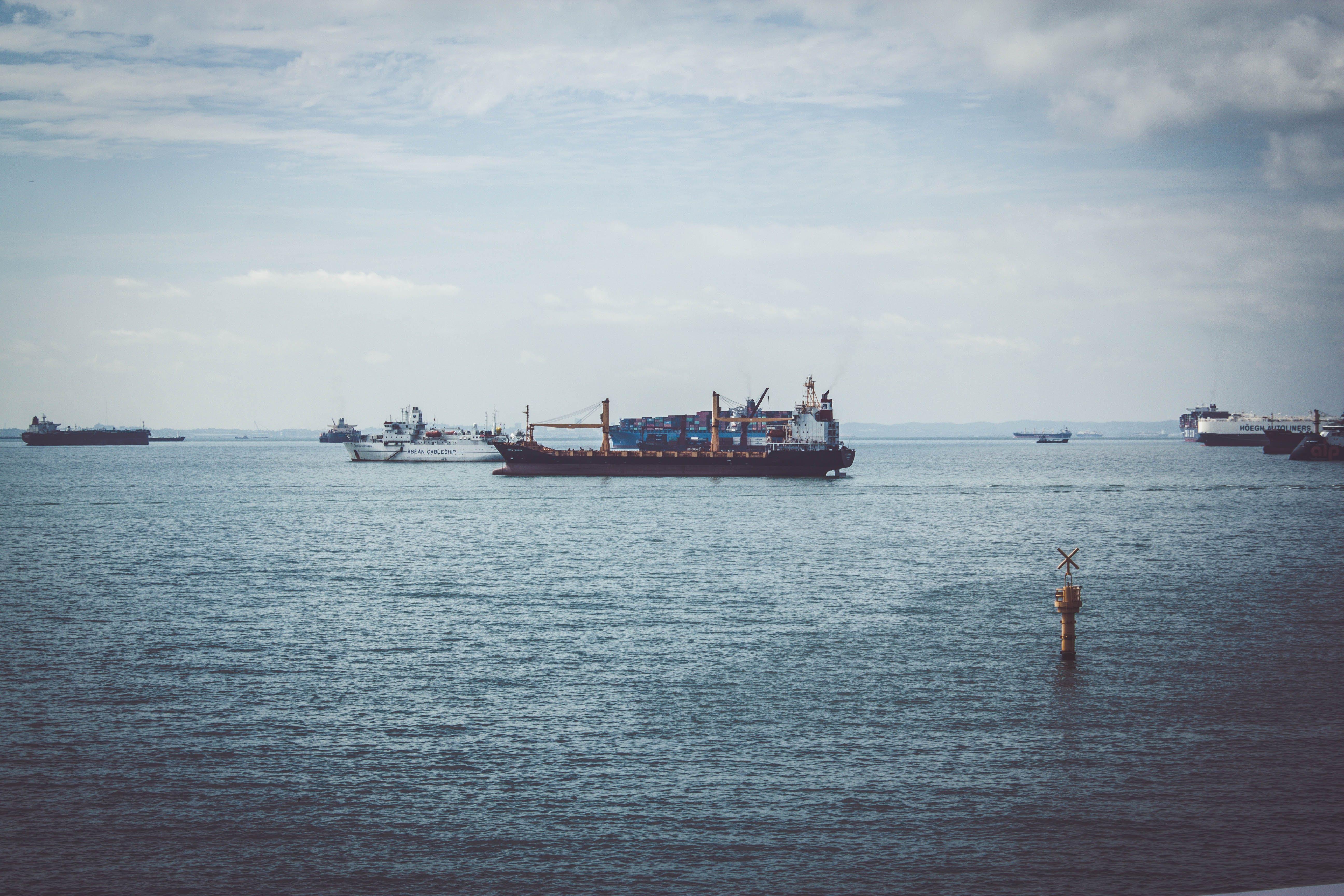 Základová fotografie zdarma na téma #outdoorchallenge, člun, dělník, denní světlo