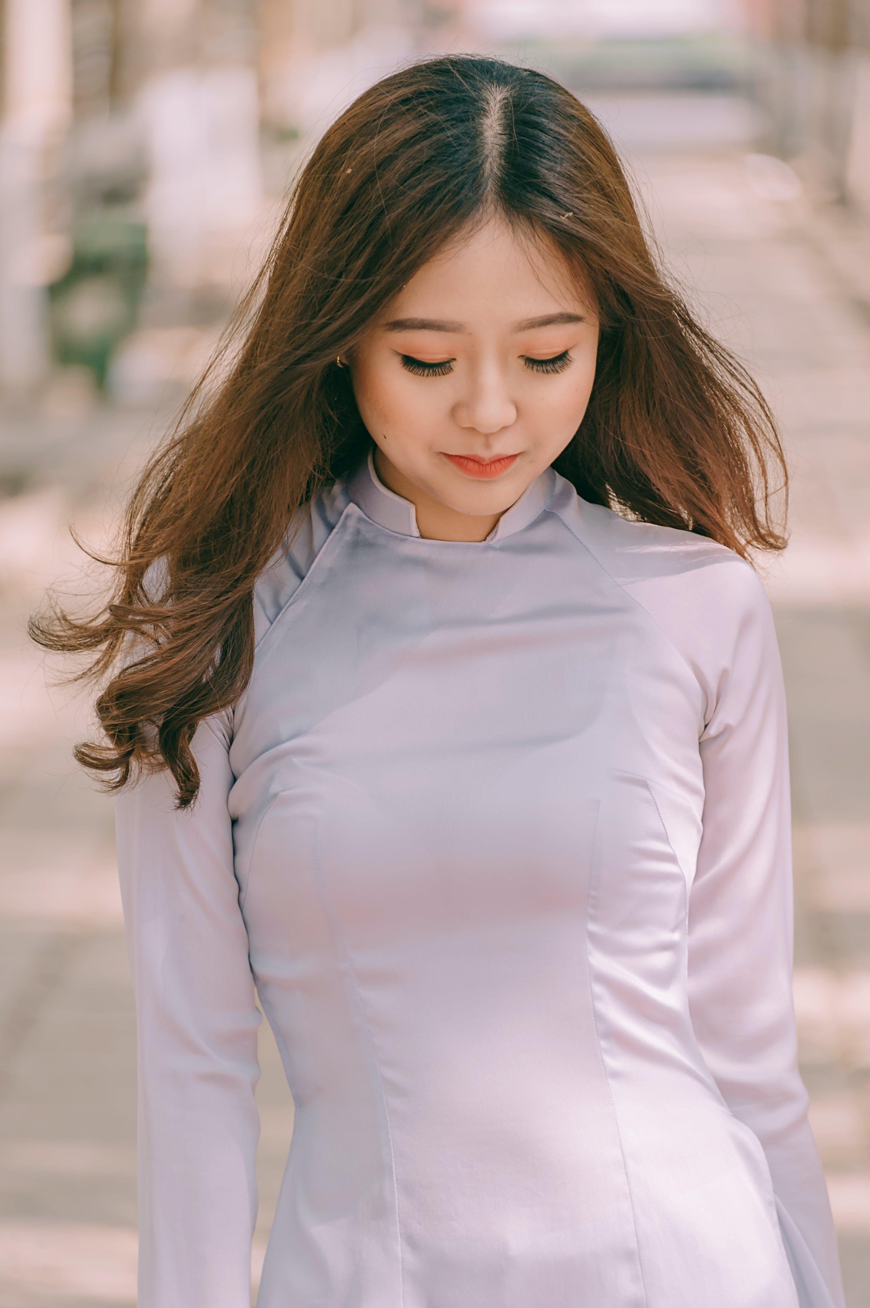Gratis stockfoto met aantrekkelijk, aantrekkelijk mooi, Aziatische vrouw, blurry achtergrond