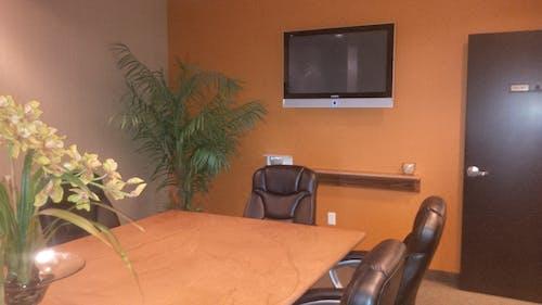 Free stock photo of black, board room, chairs, flat screen