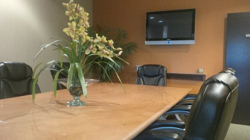 Foto profissional grátis de cadeiras, sala de conferência, sala de diretoria