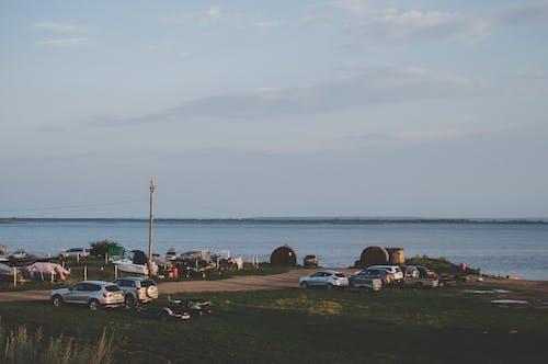 Ilmainen kuvapankkikuva tunnisteilla autot, hiekkaranta, horisontti, kesä