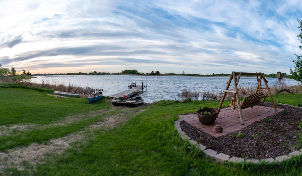 backyard lake, minnesota yard, výhľad na jazero