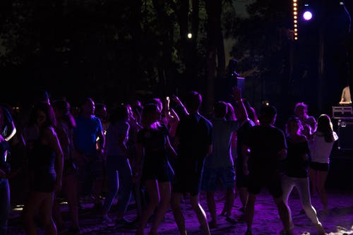 Immagine gratuita di beach party, festa, fulmine viola, night life