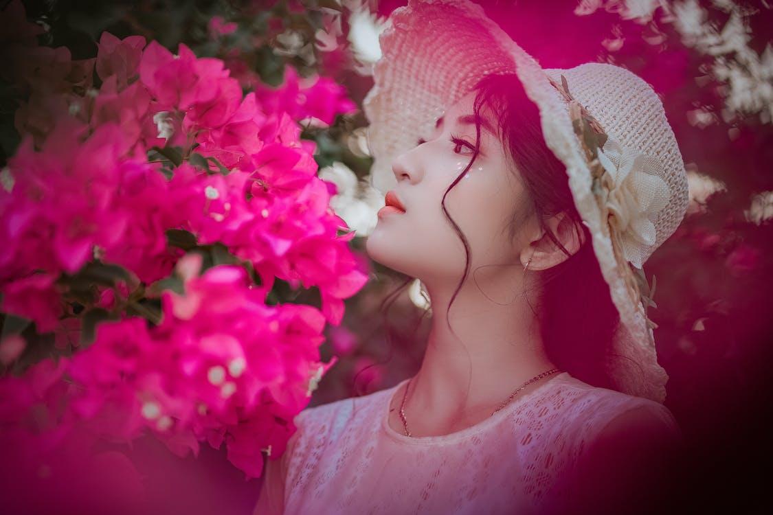 asiatisk kvinna, asiatisk tjej, blommor