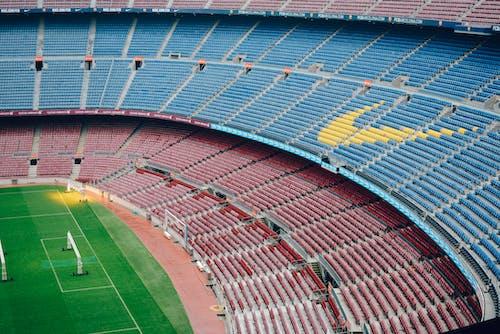 Ilmainen kuvapankkikuva tunnisteilla istuimet, jalkapallostadion, katsomo, kenttä