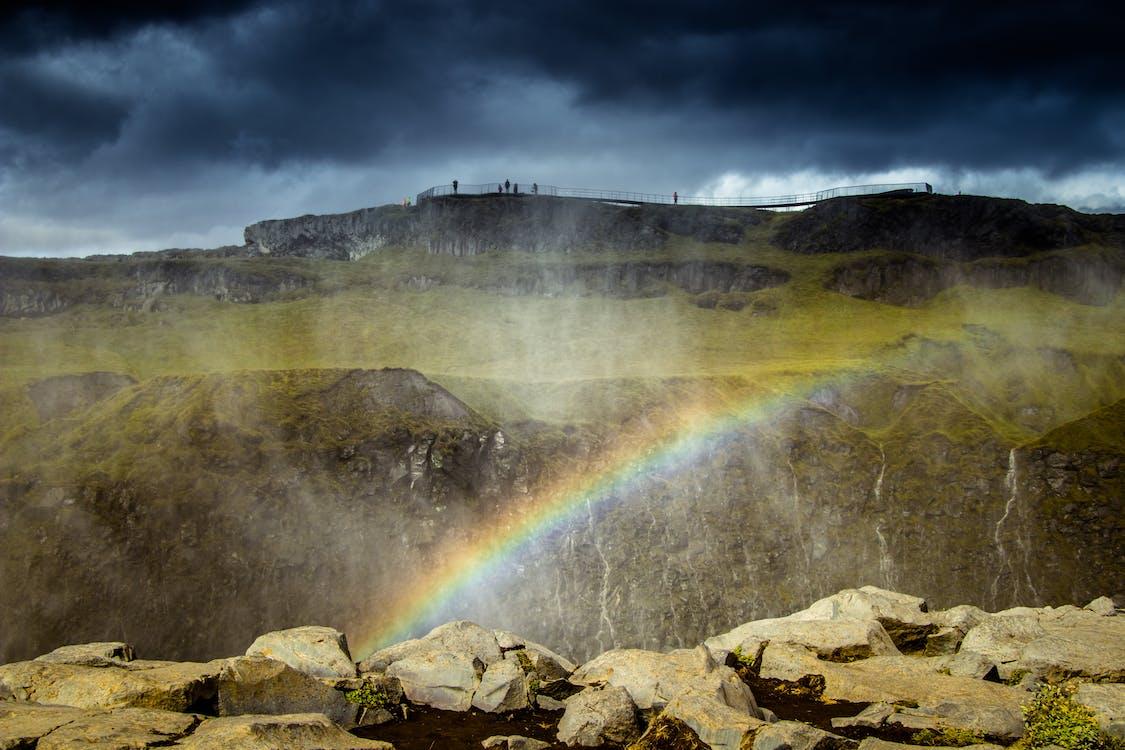 Photo De Montagne Avec Arc En Ciel