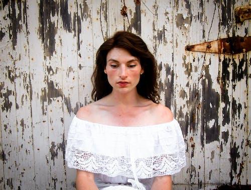Δωρεάν στοκ φωτογραφιών με rosemaryketchum, γυναίκα, δενδρολίβανο, εξοχή