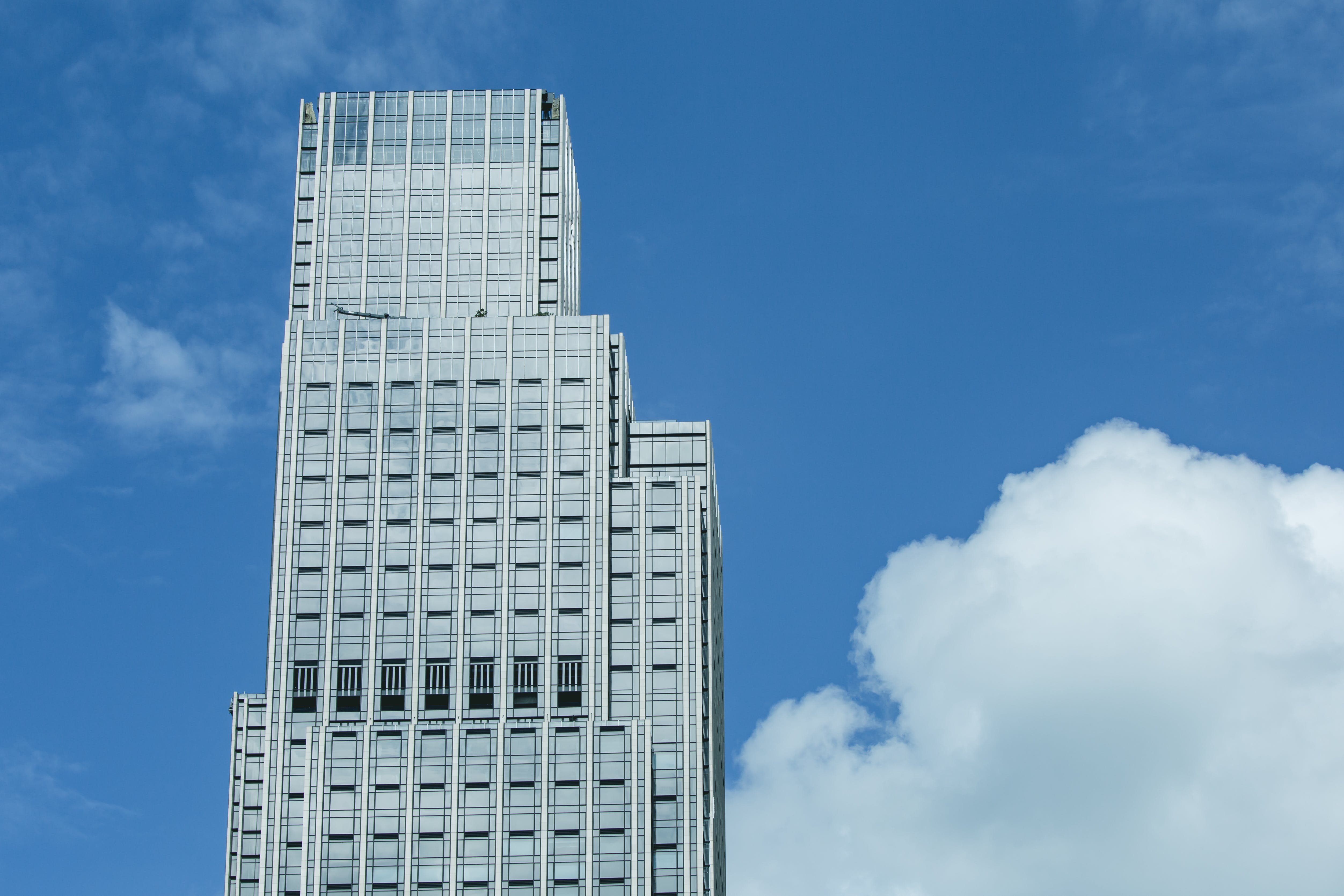 Kostenloses Stock Foto zu architektur, architekturdesign, ausdruck, blauer himmel