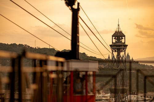 คลังภาพถ่ายฟรี ของ ช่วงแสงสีทอง, ตอนเย็น, ตะวันลับฟ้า, ตึก