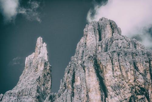 Gratis arkivbilde med dagslys, dolomittene, fjell, høy