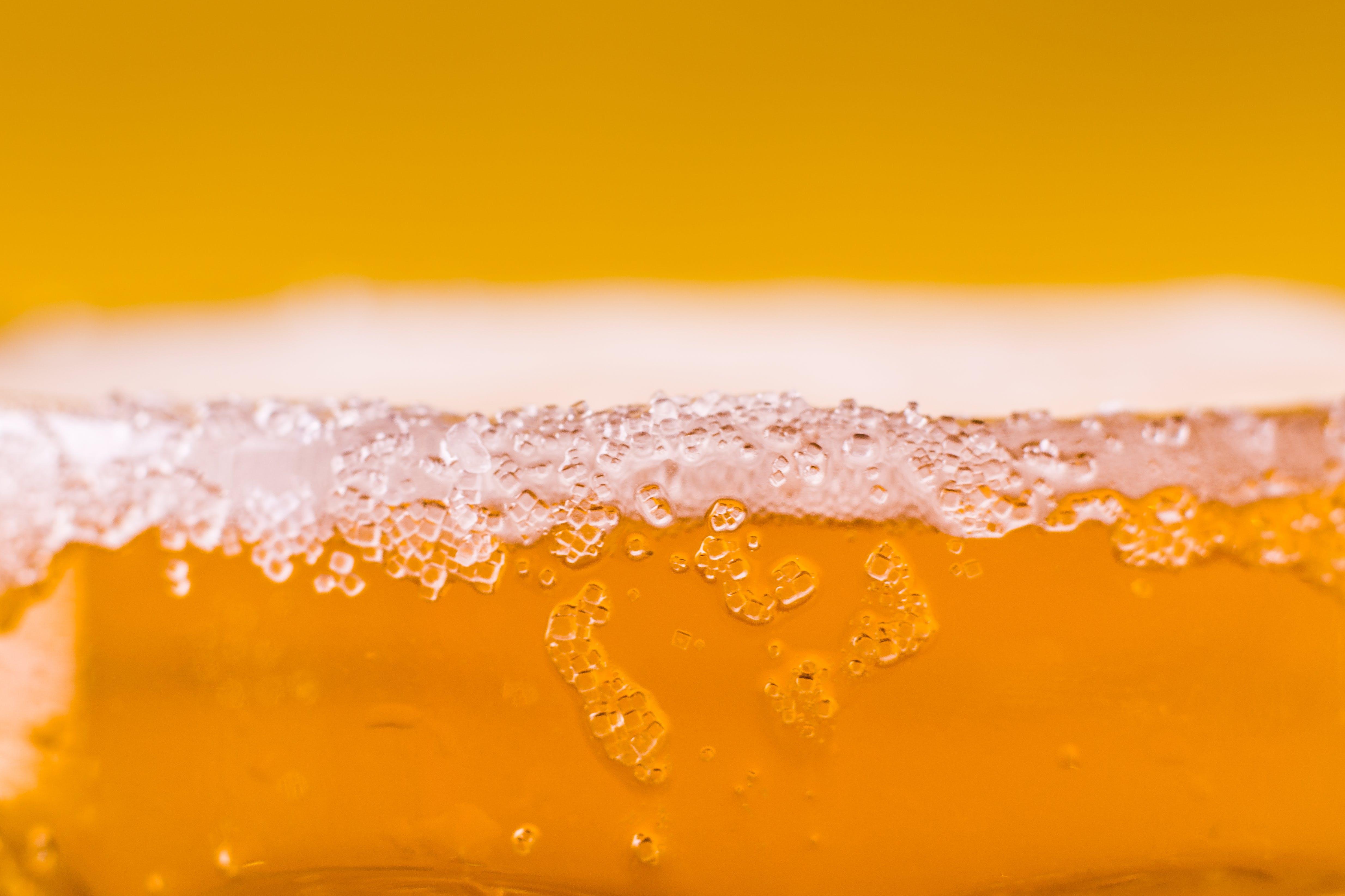 Gratis lagerfoto af cerveza, glas, gul, makro