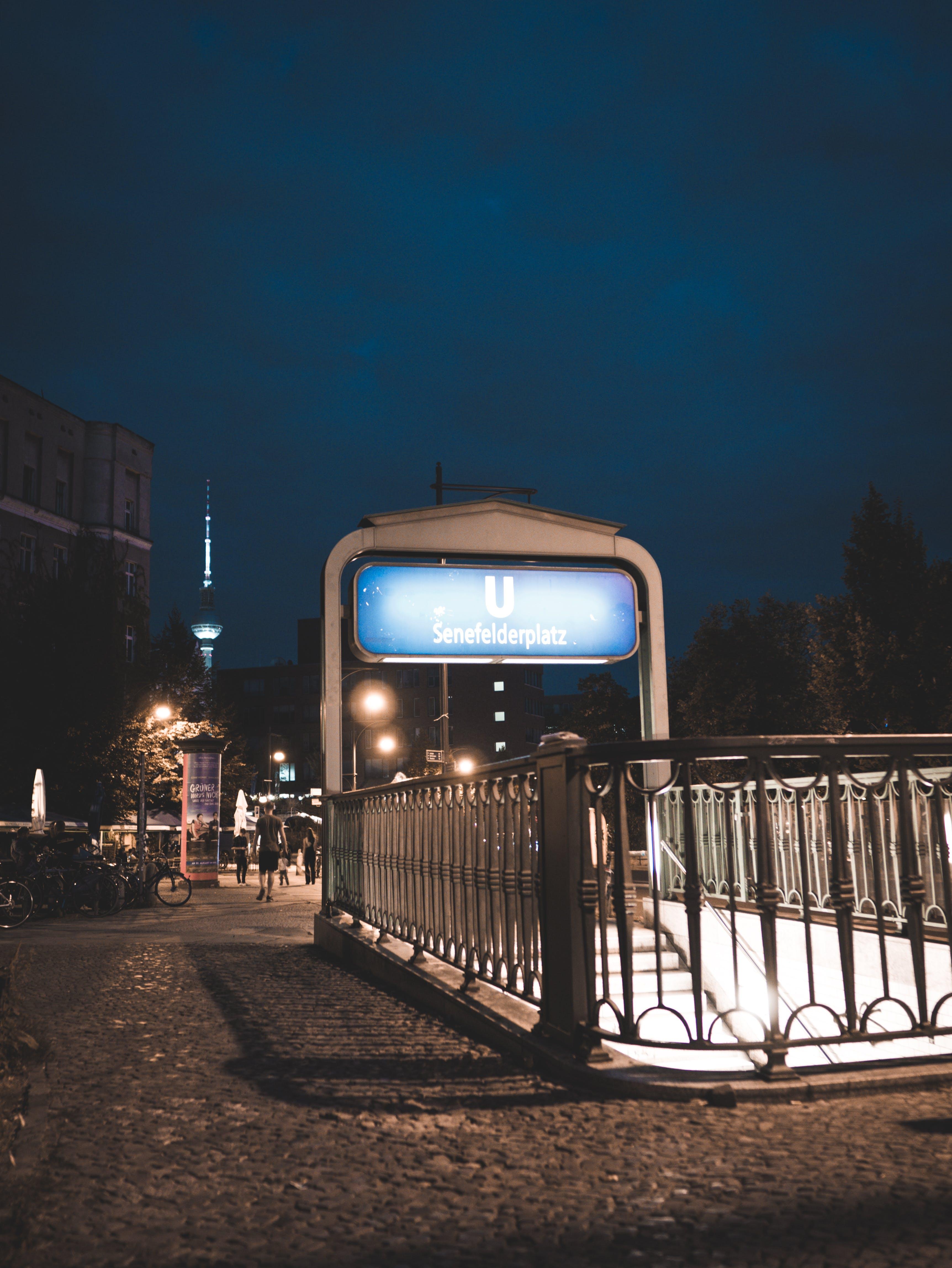Kostenloses Stock Foto zu abend, architektur, beleuchtet, berlin