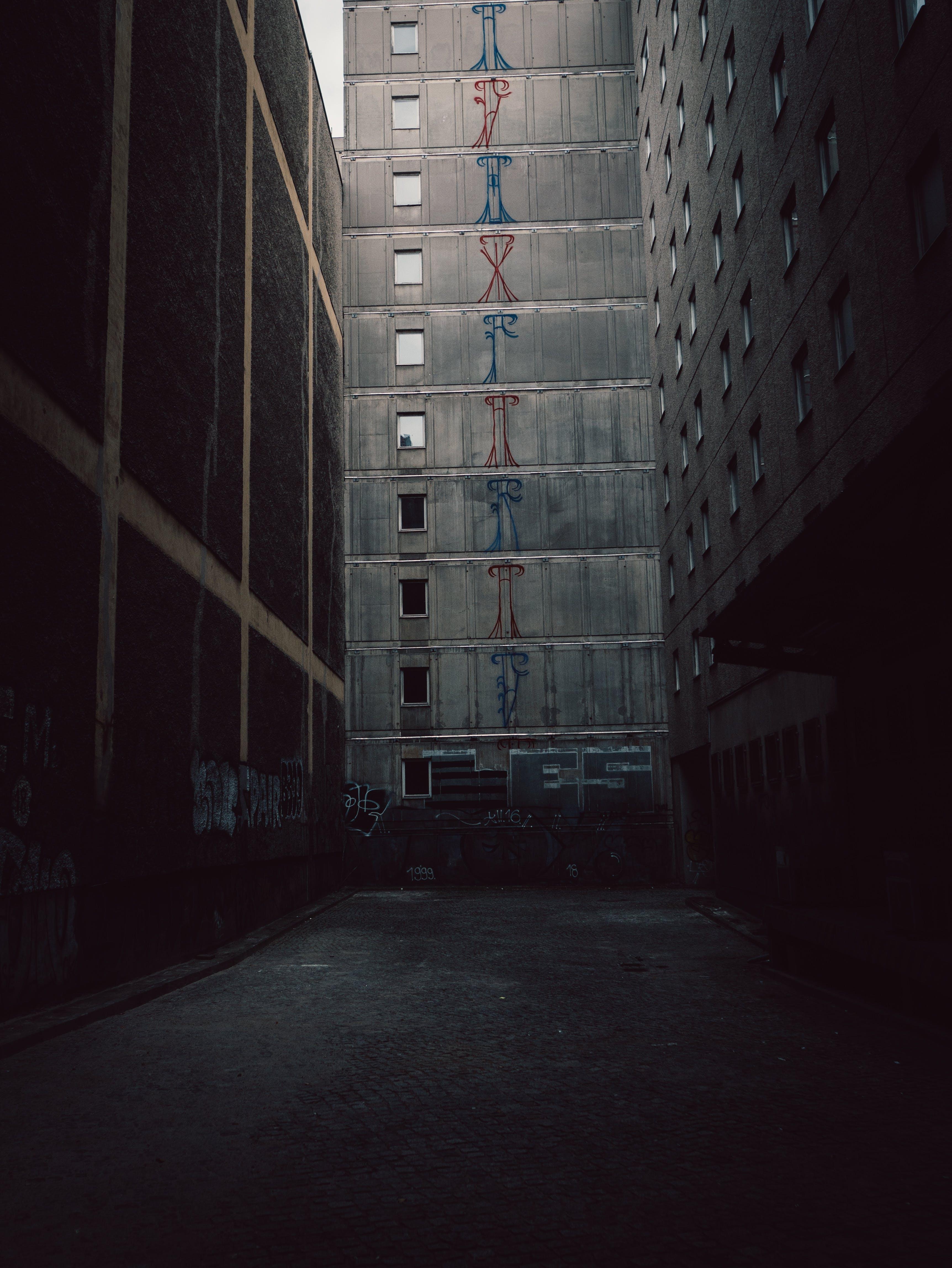 Gratis lagerfoto af arkitektur, beton, byggeri, bygninger
