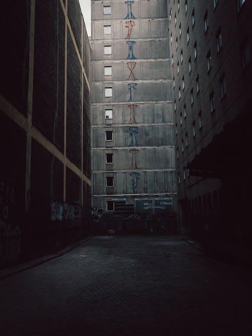 Gratis stockfoto met architectuur, beton, bouw, daglicht