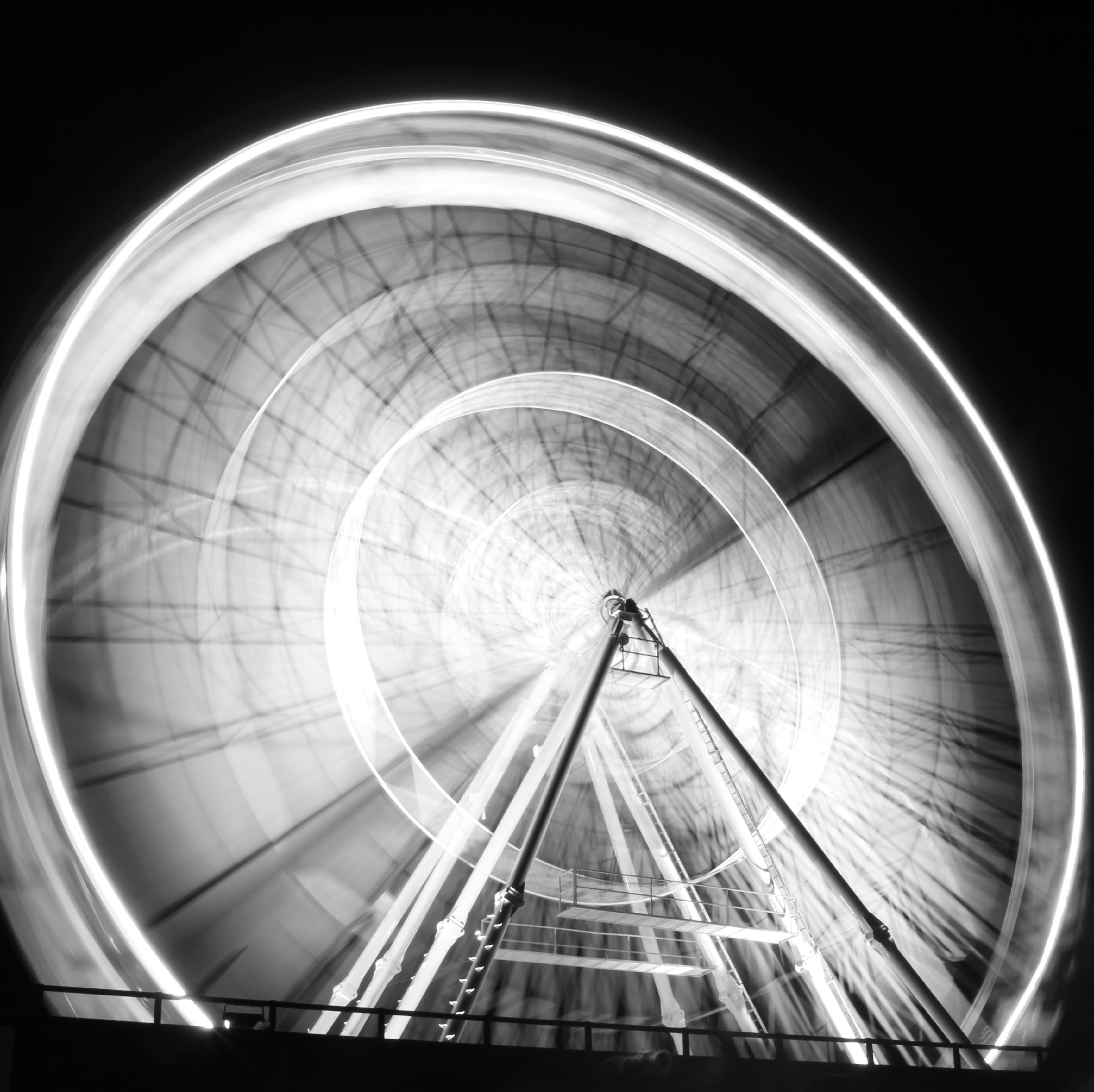 Long Exposure Photography Of Ferris Wheel