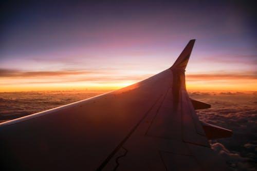 Foto profissional grátis de aeronáutica, aeronave, alvorecer, carro