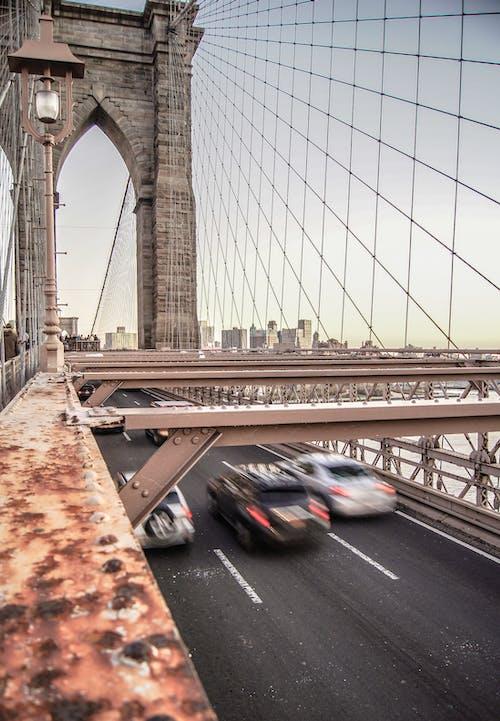 Základová fotografie zdarma na téma architektura, auta, brooklyn, brooklynský most