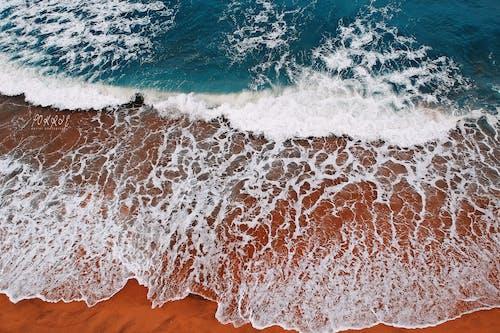 Бесплатное стоковое фото с вода, волны, всплеск, дневное время