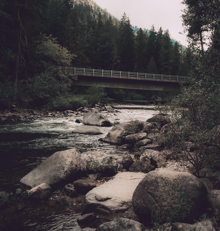 Kostenloses Stock Foto zu bäume, berge, brücke, erforschen