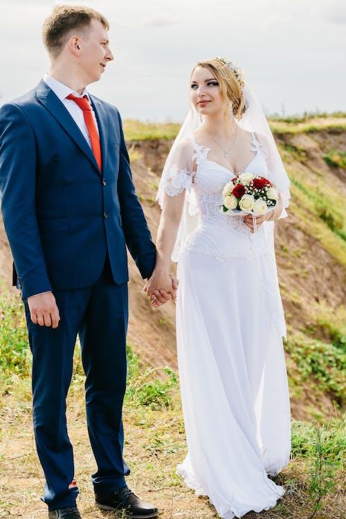 Foto d'estoc gratuïta de abric, amor, boda, bonic