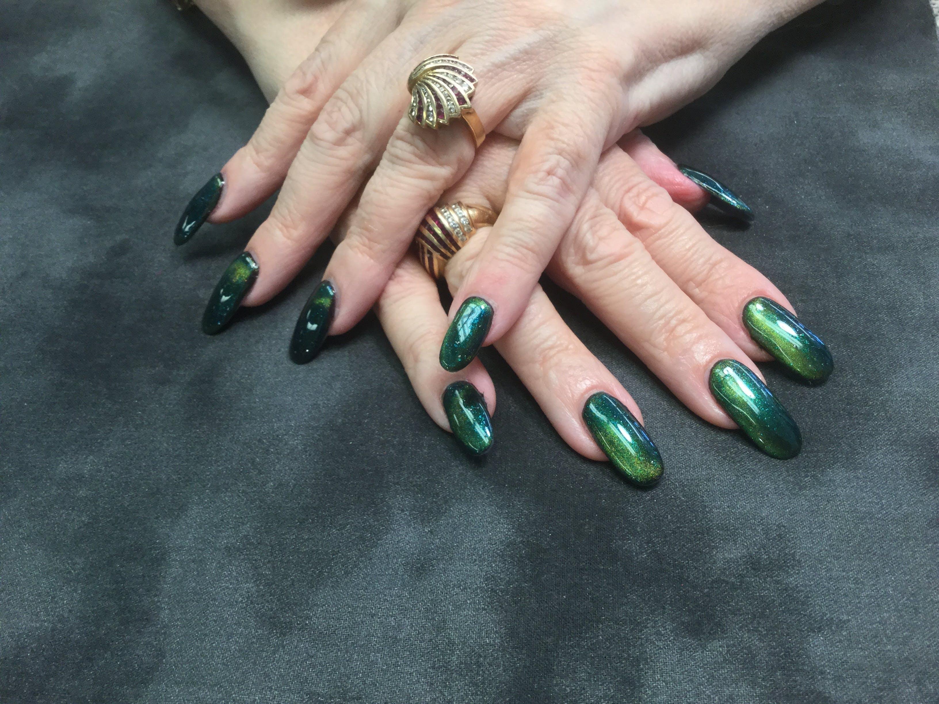 Free stock photo of Halo nails green blue nails