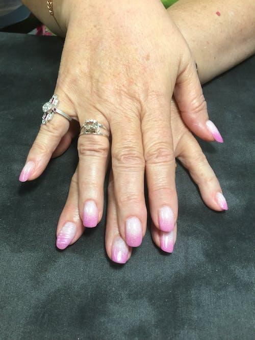 Immagine gratuita di ombré pastello rosa n bianco