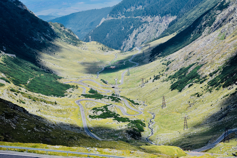 Foto d'estoc gratuïta de aigua, carreteres, cel, herba