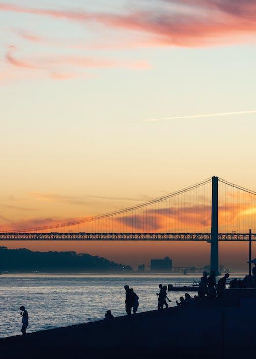 Základová fotografie zdarma na téma architektura, člun, dopravní systém, krajina