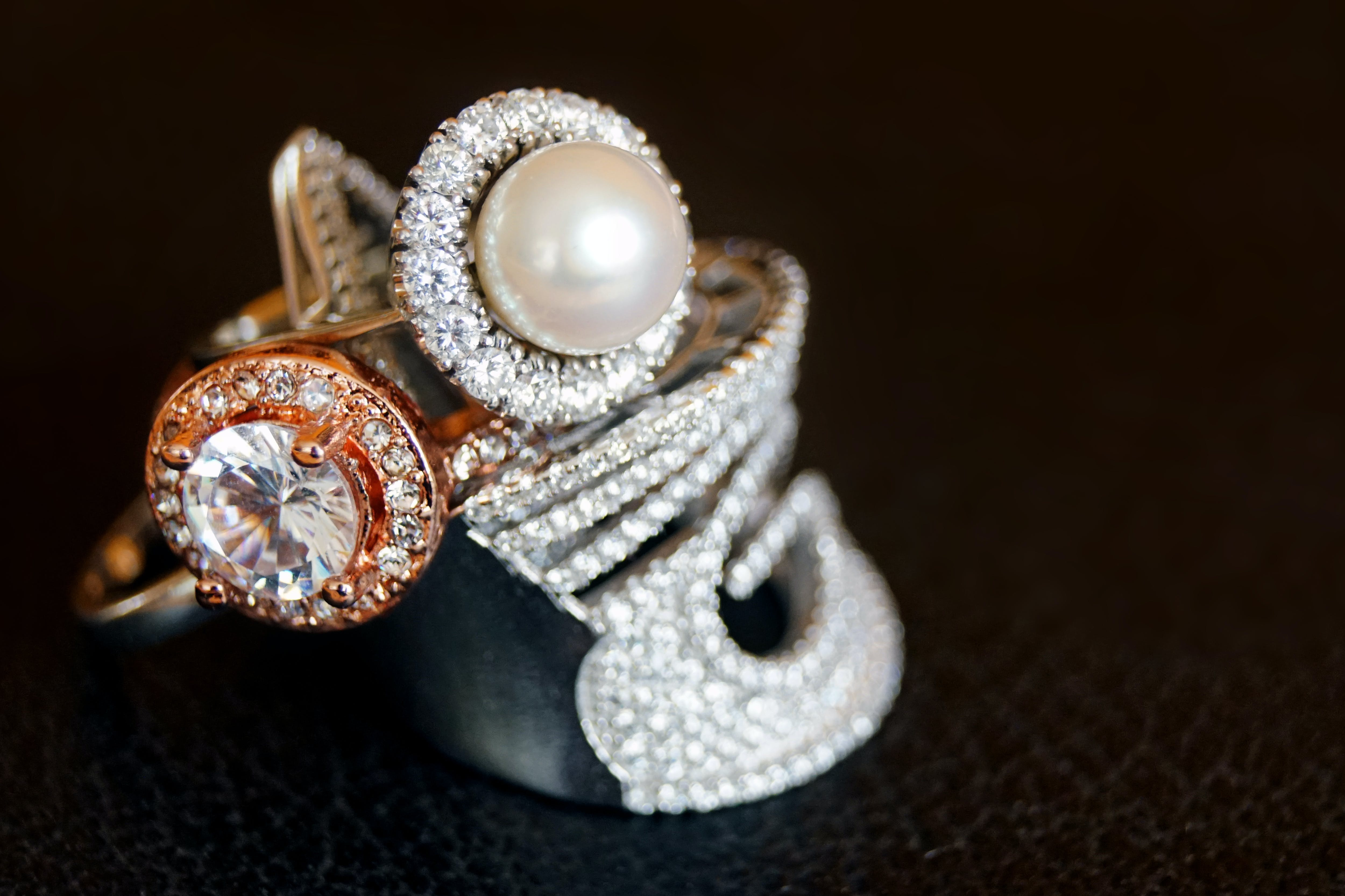 Silver-colored Ring With Clear Gemstone and White Pearl