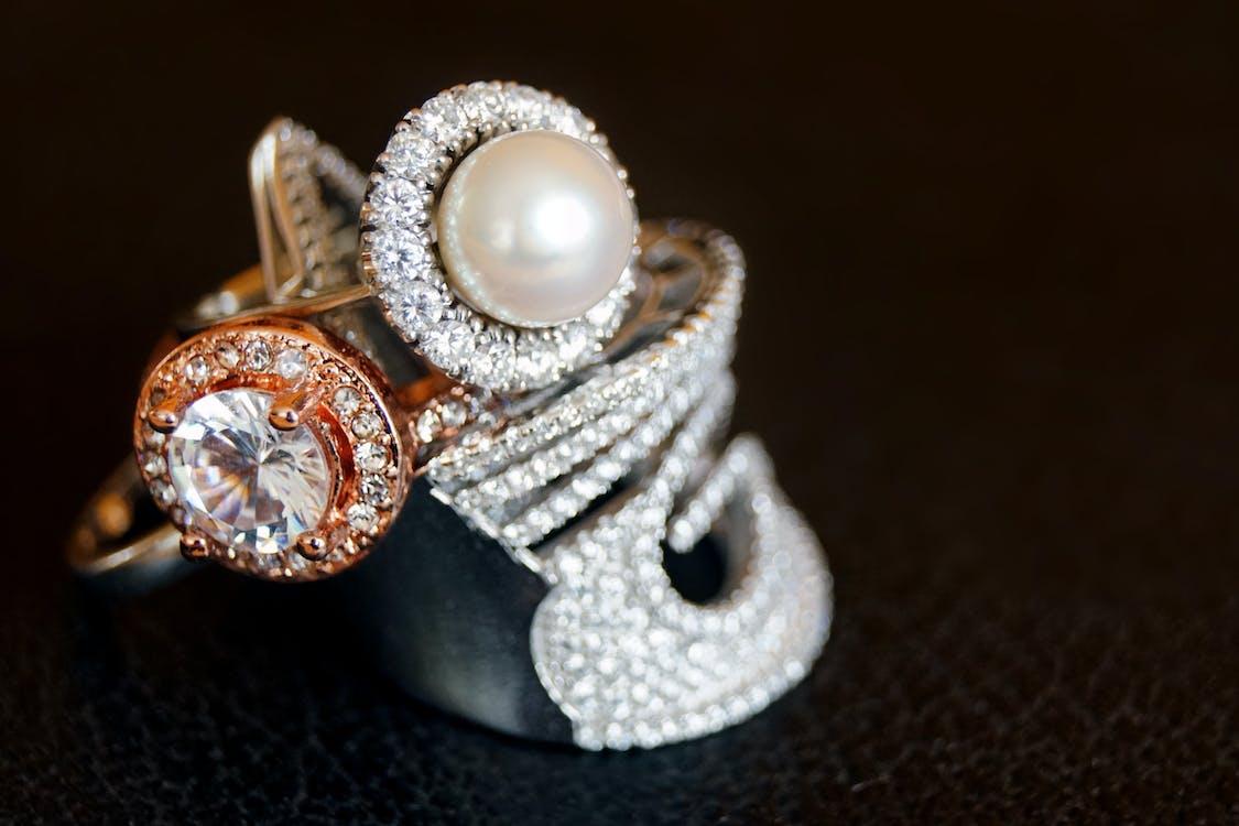 Foto d'estoc gratuïta de accessoris, anells, anells de compromís
